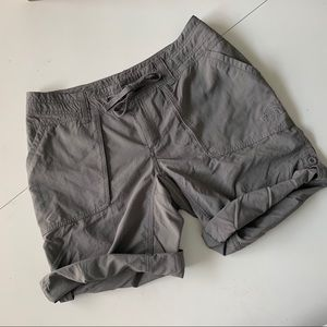 North Face Women's roll-up outdoor sport shorts